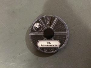 Ces petits appareils permettent de programmer les déplacements des figurines. © TGF